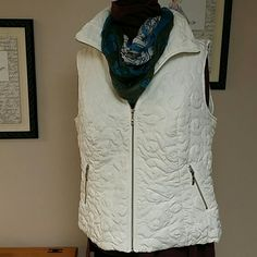Cj Banks off white Vest 100% polyester shell and lining. Worn a few times, very vlean excellent condition. No stains or snags. Very pretty swirly thread detail. 2 zippered pockets. Winter white. cj banks Jackets & Coats Vests