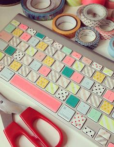 use washi tape to customise your keyboard Washi Tape Crafts, Masking Tape, Idee Diy, Scotch, Diy Art, Diy Room Decor, Diy And Crafts, Diys, Keyboard Stickers