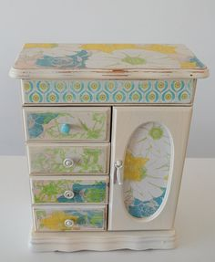 Refurbished vintage jewelry box from HDV
