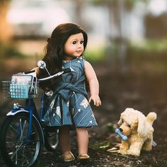 Grace is walking her dog well bikeing to school American Girl Doll Costumes, Ropa American Girl, American Girl Outfits, Custom American Girl Dolls, American Girl Doll Pictures, American Girl Crafts, American Doll Clothes, Girl Doll Clothes, Poupées Our Generation