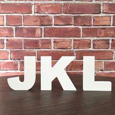 Decore com seu nome, palavra ou frase preferida.  Nossas letras decorativas podem ser customizadas e personalizadas com adesivos, tecidos, tintas, strass e o que mais sua criatividade permitir. Faça você mesmo a decoração da sua casa!_x000D_