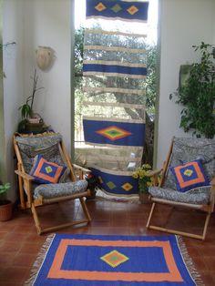 tenda ,tappeto e cuscini a telaio