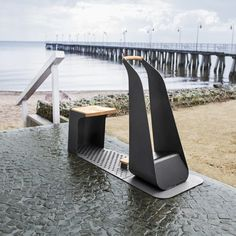 EOL 300 beach feet cleaner by  Discover→