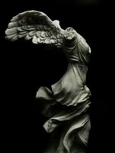 The Winged Victory of Samothrace, BC marble sculpture of the Greek goddess Nike (Victory) Winged Victory Of Samothrace, Greek Art, Ancient Art, Art And Architecture, Oeuvre D'art, Cyberpunk, Art History, Victorious, Art Photography