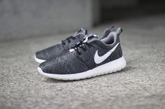 "Nike Roshe Run Print GS ""Black, Anthracite & Cool Grey"" - EU Kicks: Sneaker Magazine"