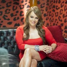 In her favorite color. Jenni Rivera, Selena Quintanilla Perez, Beautiful Inside And Out, Celebs, Celebrities, My Idol, Favorite Color, Diva, Leather Jacket