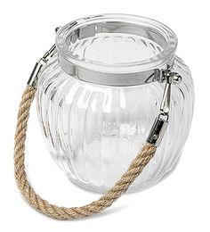 Lanterne en verre anse corde - Ce superbe photophores en verre avec sa corde style marin sublimera votre décoration de mariage. http://www.mariage.fr/lanterne-verre-anse-corde-marine-mer.html
