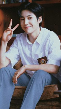 """But friends don't know the way you taste"" FWB stands for: Friends… # Random # amreading # books # wattpad Pretty Boys, Cute Boys, Isla Jeju, Boy Idols, Jung Jaehyun, Kpop Guys, Na Jaemin, Thing 1, Tumblr Boys"