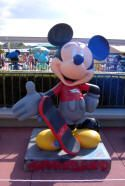 75 (78) InspEARations Mickey Mouse Statues