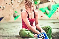 Ola Rudzińska with Blue Five Tooth Monster Chalk Bag by Crafty Climbing @craftyclimbing