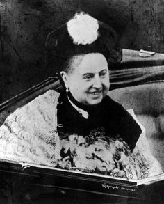 February A smiling Queen Victoria in an open coach. (Photo by Hulton Archive/Getty Images) Queen Victoria Albert, Queen Victoria Family, Victoria Reign, Victorian Photos, Victorian Era, Victorian Fashion, Queen Victoria Biography, Queen Of England, Photos Of The Week