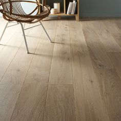 Home Design Parquet Flooring On Walls, Vinyl Tile Flooring, Real Wood Floors, Living Room Flooring, Parquet Flooring, Flooring Options, Pose Parquet, Parquet Texture, Wood Texture