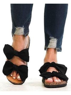 Black Noir, Bow Sandals, Walk In My Shoes, Wholesale Fashion, Online Boutiques, Everyday Fashion, Trendy Fashion, Footwear, Fashion Shoes