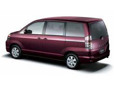 Toyota Voxy '2001–07