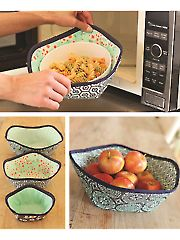Micro-Safe Hot Holders Pattern: From Amy Barickman of Indygo Junction come these micro-safe hot holders! Keep hands safe when removing items from your microwave with these hot holders. Use them for decorative storage as well! Sewing Hacks, Sewing Tutorials, Sewing Patterns, Sewing Tips, Sewing Ideas, Beginners Sewing, Kids Patterns, Bag Patterns, Quilting Patterns