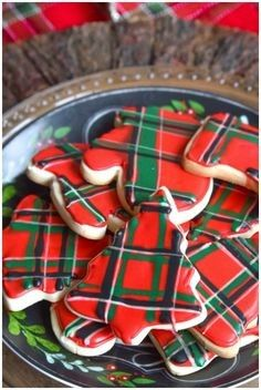 We are Mad for plaid this year and we turned that into a theme for our Christmas cookie exchange. Plaid table decorations, free cookie exchange recipe cards, and plaid sugar cookies. Cookie Exchange Party, Christmas Cookie Exchange, Christmas Treats, Christmas Baking, Christmas Parties, Christmas Wishes, Christmas Christmas, Tartan Weihnachten, Fudge
