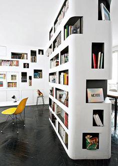 http://www.marieclairemaison.com/photo/39072/13/une-bibliotheque-entierement-faite-de-niches,200040