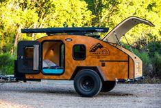 Timberleaf Teardrop Classic Trailer behind a Subaru Outback Teardrop Camper For Sale, Teardrop Camper Trailer, Off Road Camper Trailer, Trailer Build, Camper Trailers, Travel Trailers, Trailer 2, Small Campers, Campers For Sale