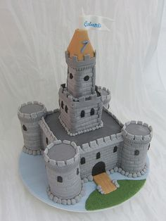 castle cake - For all your cake decorating supplies, please visit… Knight Cake, Knight Party, Cupcake Cakes, Cupcakes, Bolo Cake, Different Cakes, Crazy Cakes, Cake Decorating Supplies, Novelty Cakes