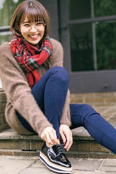 Leave your skinny denim on the day you lost your outfit-with online-Kodansha Official- University Of Kent, Cute Japanese Girl, Yui, Asian Woman, Cute Girls, Winter Fashion, Hair Beauty, Poses, Skinny