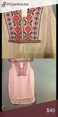 Anthropologie embroidered tunic top Embroidered detail tunic top,  NWT. Size six  (runs large). Anthropologie Tops Tunics