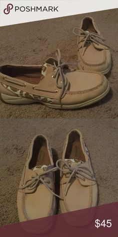 Cream and Leopard Sperrys Worn twice, in very good condition. Cream colored with leopard detail. Sperry Shoes Flats & Loafers