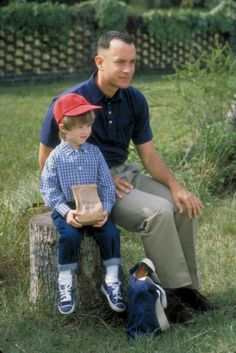 Haley Joel Osment as Forrest Jr, ad Tom Hanks as Forrest Gump [Forrst Gump, Tom Hanks, Love Movie, Movie Stars, Movie Tv, Movies And Series, Movies And Tv Shows, Great Films, Good Movies, Amazing Movies