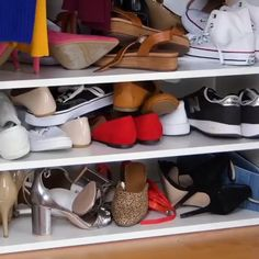 8 clever ways to declutter your home! - Creative World - 8 clever ways to declutter your home! 8 clever ways to declutter your home! Diy Crafts Hacks, Diy Home Crafts, Diy Home Decor, Diy Crafts Kitchen, Home Organization Hacks, Organizing Shoes, Closet Organization, Organization Ideas For Shoes, Organizing Ideas