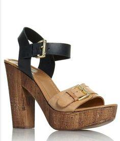 Love these platform sandals <3