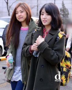 O cantor Sejoon do  SPEED foi colega e amigo de EunB na preparatória além de ser amigo  de Rise e Sojung.