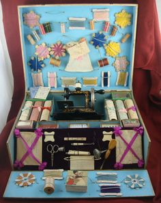 VINTAGE OLD TOY 1920'S MULLER#15 SEWING MACHINE SET WITH ACCESSORIES AND BOX