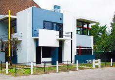 GERRIT RIETVELD. Casa Rietveld Schröder. Residencia Truus Schröder-Schrader hasta 1985. Uno de los mejores ejemplos conocidos del estilo de De Stijl. Restaurada por Bertus Mulder, actualmente es un museo. Utrecht, Países Bajos. 1924.