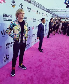 """Logan Paul (@loganpaul) : """"Only one is a legend but the other two are on their way  @BBMAs"""""""