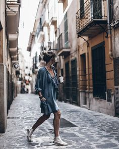 "20.5 tisuća oznaka ""sviđa mi se"", 165 komentara – Jacqueline Mikuta (@mikutas) na Instagramu: ""Palma  How I missed this amazing place! Happy Monday loves! #ootd #denimdress #palma #mikutatravels"""