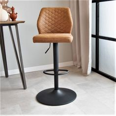 A tough, but classic industrial bar stool. That is the Grayson! The black base in combination with the stitched seat gives the bar stool a classic look. Our populair Grayson will fit in any interior! Pu Leather, Chair, Industrial Bar Stools, Furniture, Classic Looks, Steel Frame, Metal, Home Decor, Base