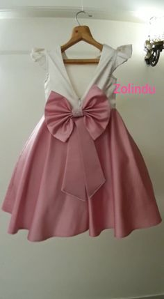 Diy Crafts - After Repeated Requests from customers we are putting up video of our Zolindu Anna Dress Frocks For Girls, Dresses Kids Girl, Kids Outfits, Flower Girl Dresses, Baby Girl Frocks, Baby Girl Party Dresses, Baby Girl Birthday Dress, Birthday Dresses, Frock Design