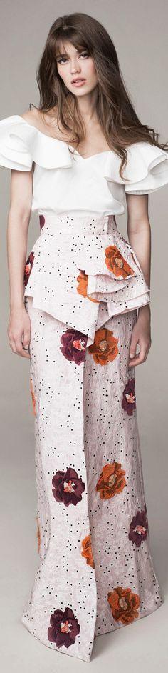 Johanna Ortiz Spring 2016 Ready-to-Wear - Hair I Love Fashion, Spring Fashion, High Fashion, Womens Fashion, Fashion Design, Cute Dresses, Beautiful Dresses, Swagg, Spring 2016