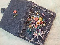 Bullion Embroidery, Hand Embroidery Art, Ribbon Embroidery, Cross Stitch Embroidery, Embroidery Patterns, Fabric Book Covers, Stitch Book, Burlap Lace, Brazilian Embroidery
