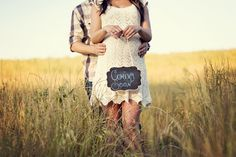 Pregnancy Announcement Photo Ideas | Country pregnancy announcement ideas by Ginger Pritchett Photography