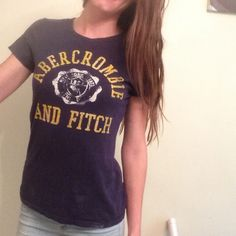 Abercrombie tshirt Fits snug, gently worn. No flaws! Abercrombie & Fitch Tops Tees - Short Sleeve