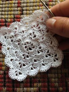 How to Crochet a Solid Granny Square Crochet Blocks, Granny Square Crochet Pattern, Crochet Flower Patterns, Doily Patterns, Afghan Crochet Patterns, Crochet Squares, Crochet Motif, Crochet Doilies, Crochet Flowers