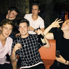 Joe sugg, Joe Weller, Oli White, Calfreezy and josh | pintrest: Random Girl ♡