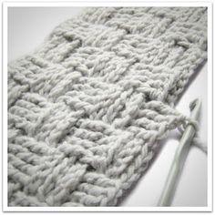 Basket weave crochet by Helena Haakt (mandsteek haken) Mandensteek 2 om Lijkt me l I hope you have enjoyed this beautiful crochet, the free pattern is HERE so you can make a beautiful crochet. Crochet Diy, Crochet Motifs, Crochet Quilt, Crochet Pillow, Crochet Stitches Patterns, Crochet Home, Love Crochet, Knitting Patterns, Basket Weave Crochet