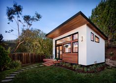 Shed guest house photo 1 of 1 best backyard guest houses ideas on backyard house shed Tiny Guest House, Backyard Guest Houses, Tiny House Blog, Backyard Office, Tiny House Community, Backyard House, Modern Tiny House, Backyard Sheds, Tiny House Cabin