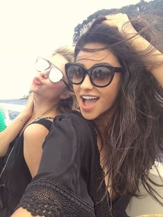 Find images and videos about pretty little liars, pll and ashley benson on We Heart It - the app to get lost in what you love. Shay Mitchell, Ashley Benson, Canadian Actresses, Actors & Actresses, Laura Leighton, Pretty Litle Liars, Sasha Pieterse, Celebs, Hair Styles