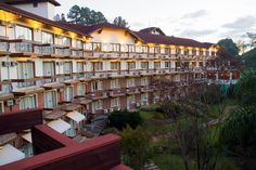 Hotel Alpestre ao entardecer