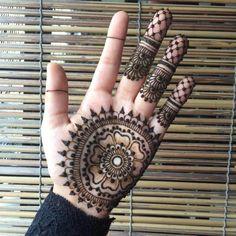 flower mehndi dor hand