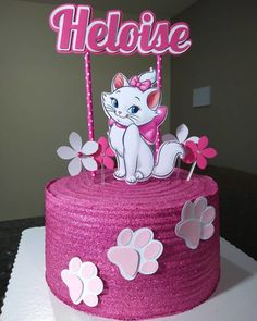 55 ideas to be inspired and step by step - Birthday FM : Home of Birtday Inspirations, Wishes, DIY, Music & Ideas Cat Cake Topper, Cake Toppers, Kitten Cake, Hello Kitty Birthday Cake, Marie Cat, Cat Party, Drip Cakes, Buttercream Cake, Sweet Cakes