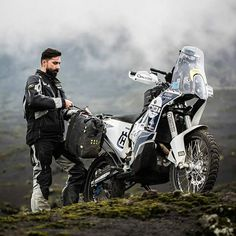Untitled Source by markjclements Moto Enduro, Honda Scrambler, Motorcycle Travel, Scrambler Motorcycle, Ktm Adventure, Honda Africa Twin, Motorcycle Photography, Biker Gear, Dirtbikes