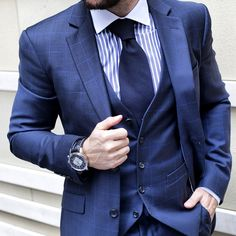 90 Navy Blue Suit Styles For Men - Dapper Male Fashion Ideas Mens Fashion Suits, Mens Suits, Male Fashion, Navy Blue Suit Style, Blue Suits, Dapper Suits, Designer Suits For Men, Beautiful Suit, Business Outfit